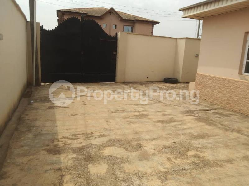 5 bedroom Detached Bungalow House for rent Ipaja ayobo  Ayobo Ipaja Lagos - 2