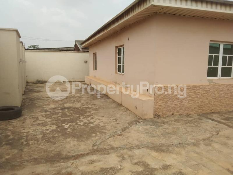 5 bedroom Detached Bungalow House for rent Ipaja ayobo  Ayobo Ipaja Lagos - 3