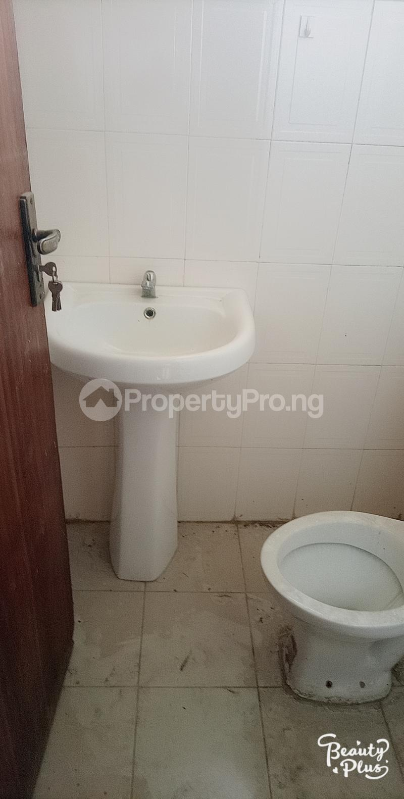 5 bedroom Semi Detached Duplex for rent Ajao Estate Isolo. Lagos Mainland Ajao Estate Isolo Lagos - 5