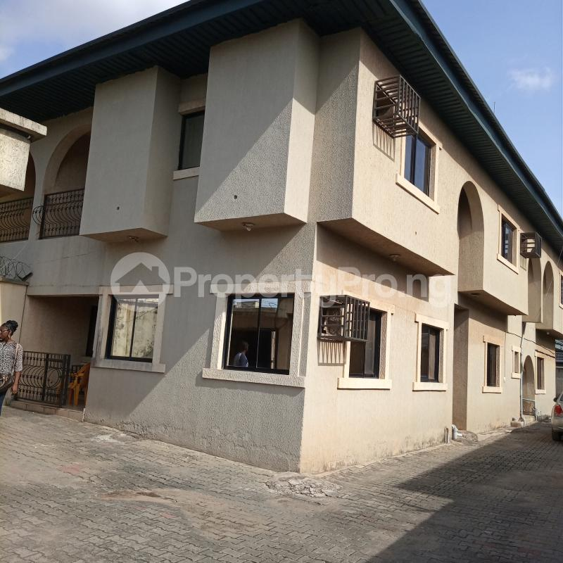 5 bedroom Semi Detached Duplex for rent Ajao Estate Isolo. Lagos Mainland Ajao Estate Isolo Lagos - 0