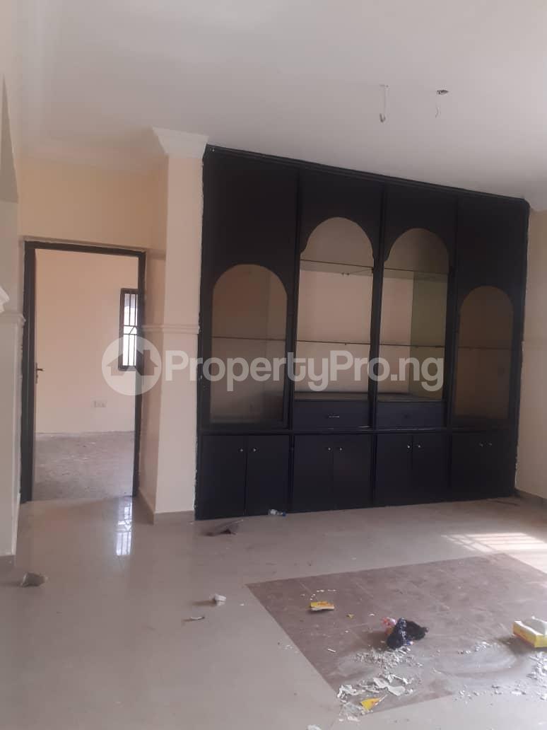 5 bedroom Flat / Apartment for rent ... Atunrase Medina Gbagada Lagos - 7