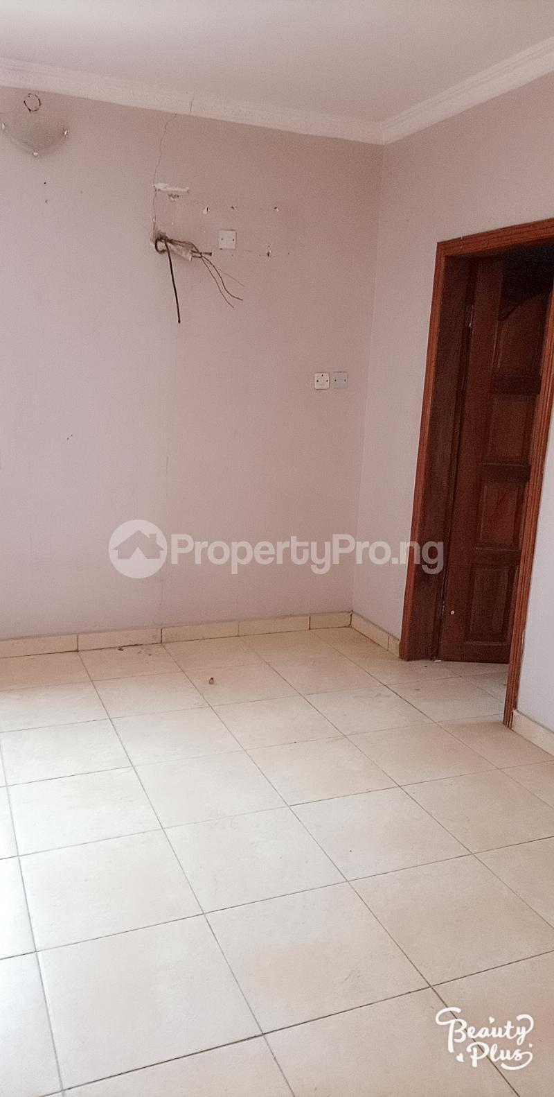 6 bedroom Detached Duplex for sale Ajao Estate Isolo. Lagos Mainland Ajao Estate Isolo Lagos - 14