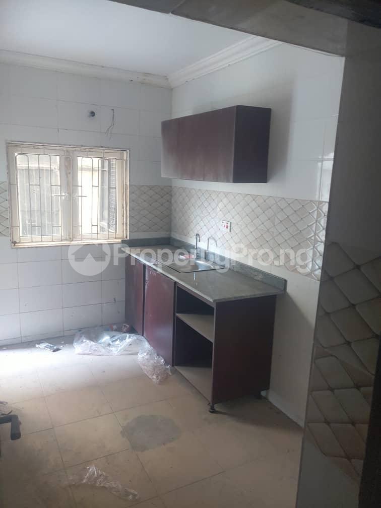 3 bedroom Flat / Apartment for rent Adelabu Surulere Lagos - 2