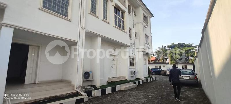 3 bedroom Penthouse Flat / Apartment for rent Alaka Estate  Alaka Estate Surulere Lagos - 15