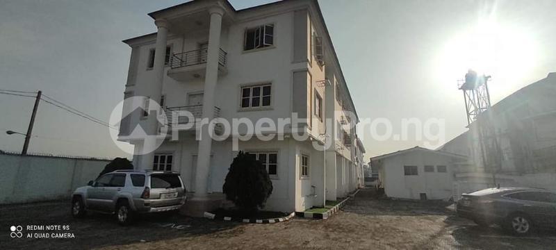 3 bedroom Penthouse Flat / Apartment for rent Alaka Estate  Alaka Estate Surulere Lagos - 0