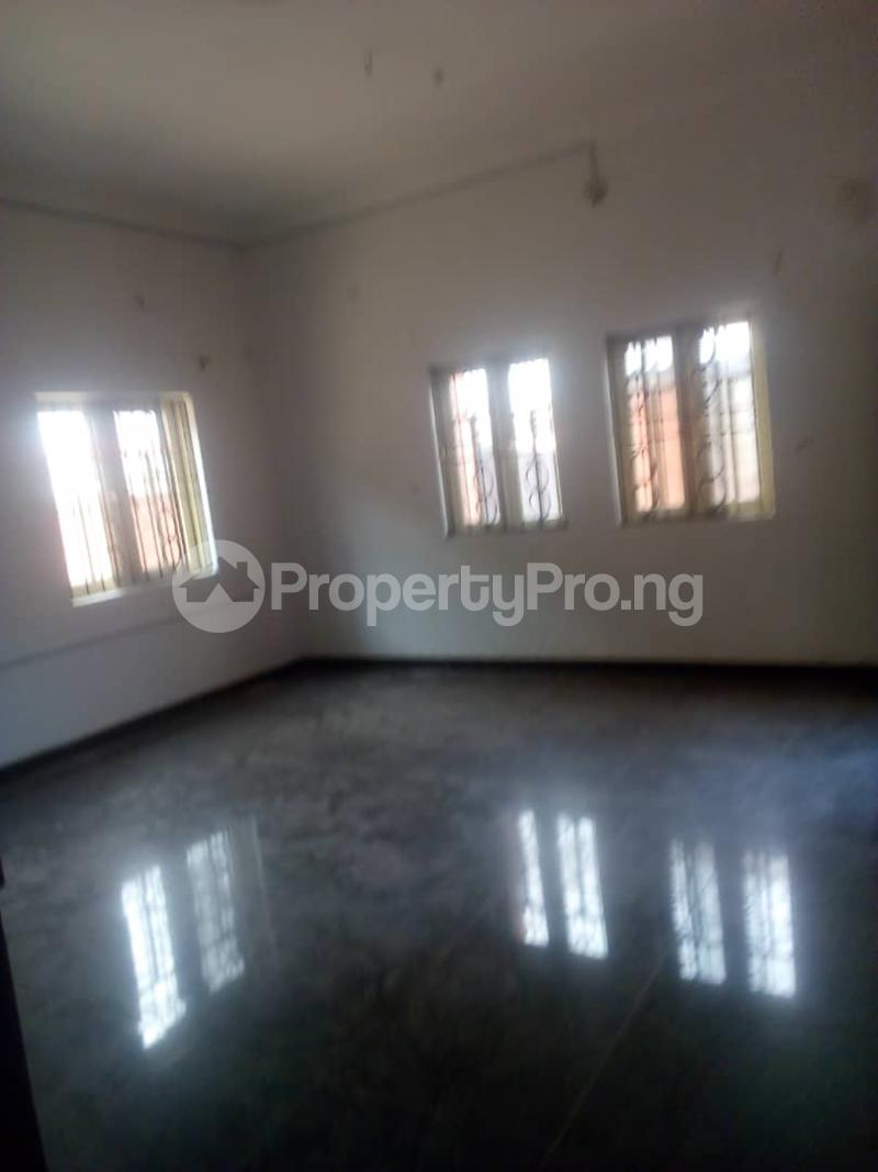 3 bedroom Flat / Apartment for rent Off Finbarrs Road, Akoka, Lagos. Akoka Yaba Lagos - 3