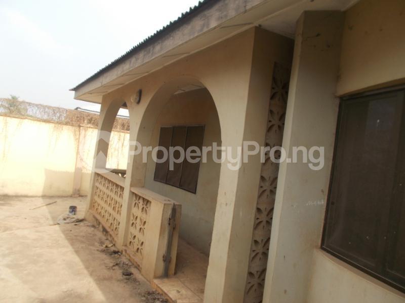 5 bedroom Detached Bungalow for sale Oyo Ogbomoso Road Ogbomosho Oyo - 0