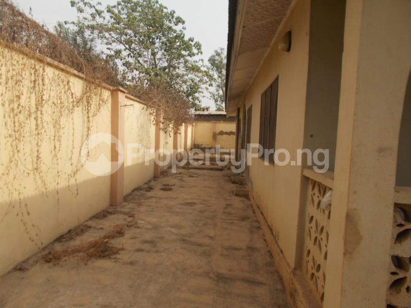 5 bedroom Detached Bungalow for sale Oyo Ogbomoso Road Ogbomosho Oyo - 3