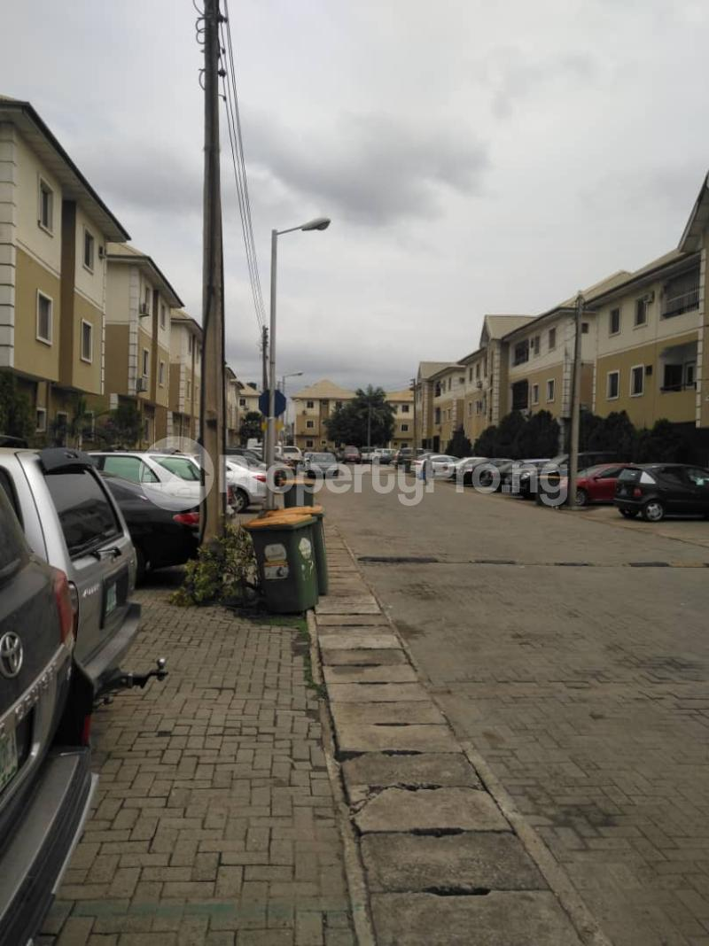 3 bedroom Flat / Apartment for sale Agege Lagos - 8