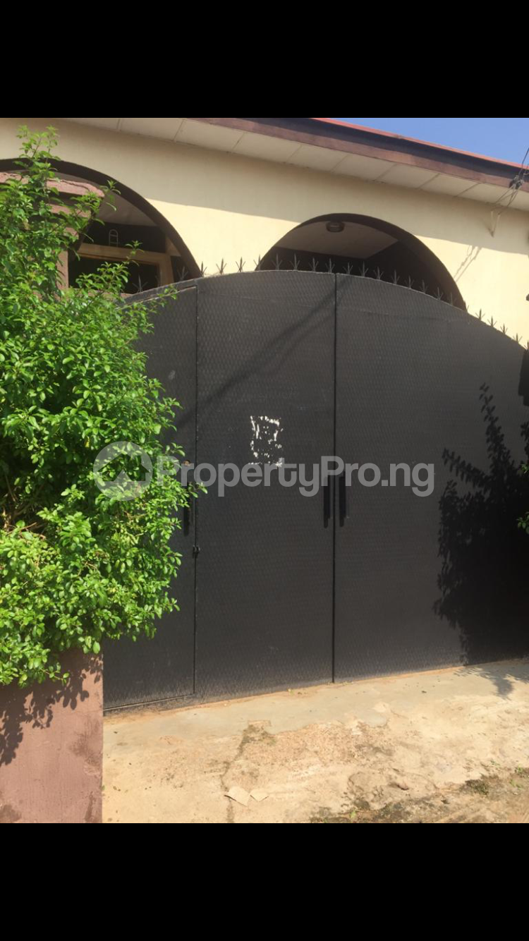 8 bedroom Boys Quarters Flat / Apartment for sale 1, Adeniyi close, off unity road Ilorin Kwara - 1