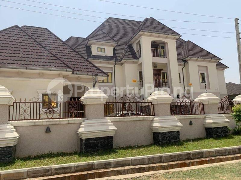 8 bedroom Detached Duplex for sale Gwarinpa Gwarinpa Abuja - 0