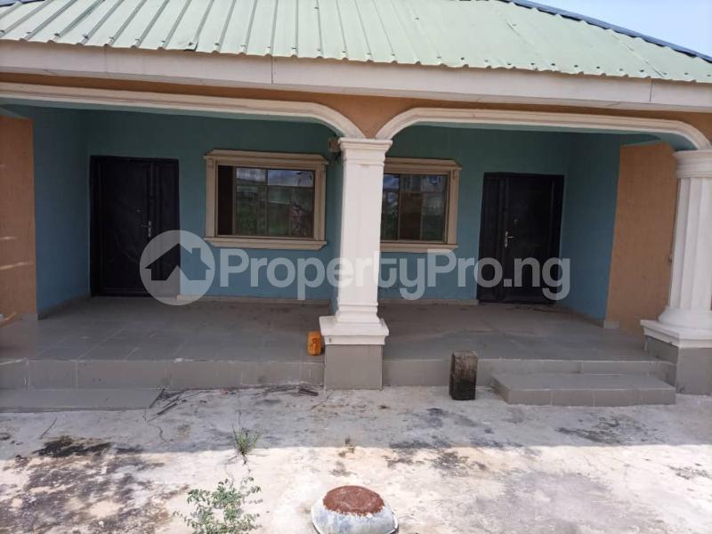 6 bedroom Detached Bungalow for sale Alhaji Akeem Street Igbogbo Ikorodu Lagos - 5