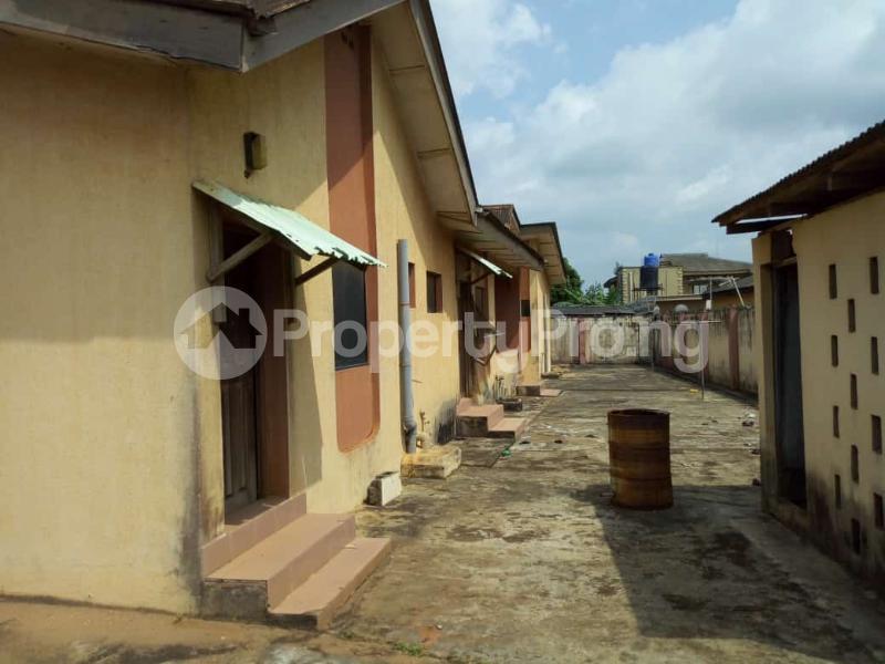 6 bedroom Detached Bungalow for sale Oguntade Str,remade Junction,eyita Ikorodu Ikorodu Lagos - 4