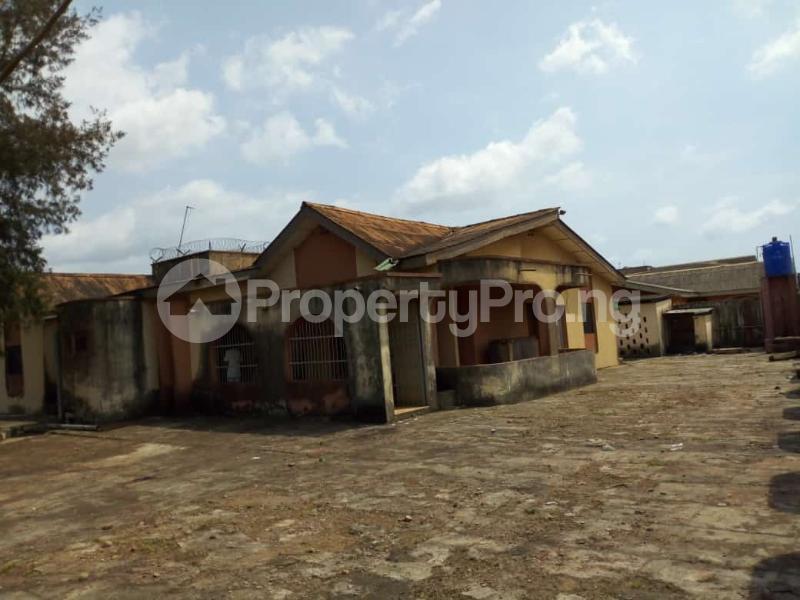 6 bedroom Detached Bungalow for sale Oguntade Str,remade Junction,eyita Ikorodu Ikorodu Lagos - 1
