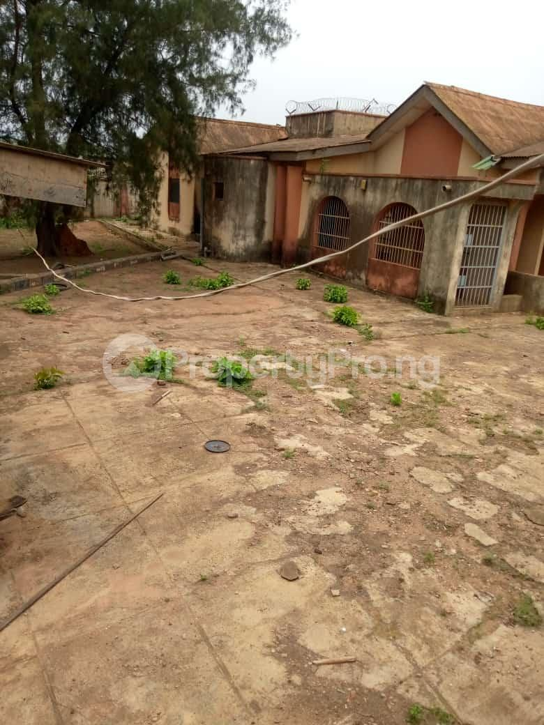 6 bedroom Detached Bungalow for sale Oguntade Str,remade Junction,eyita Ikorodu Ikorodu Lagos - 3
