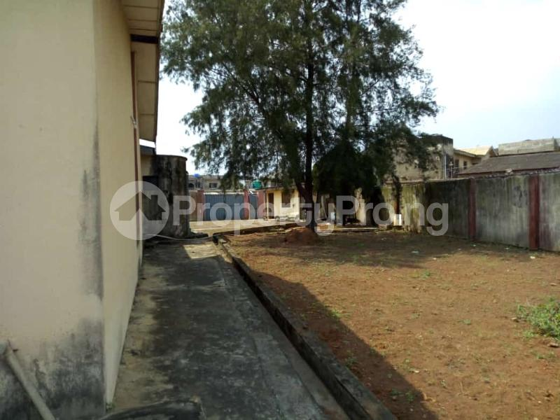 6 bedroom Detached Bungalow for sale Oguntade Str,remade Junction,eyita Ikorodu Ikorodu Lagos - 6