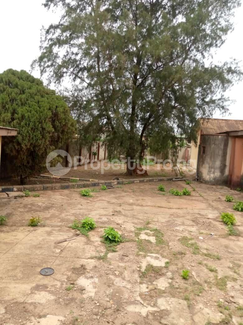 6 bedroom Detached Bungalow for sale Oguntade Str,remade Junction,eyita Ikorodu Ikorodu Lagos - 5
