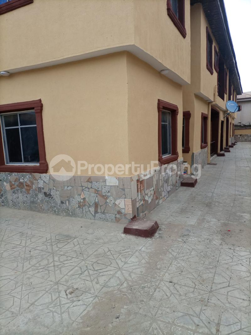 2 bedroom Flat / Apartment for rent Parkview Ago palace Okota Lagos - 2
