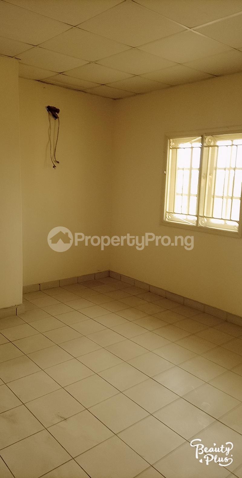 3 bedroom Flat / Apartment for rent Oke Afa isolo. Lagos Mainland Oke-Afa Isolo Lagos - 7