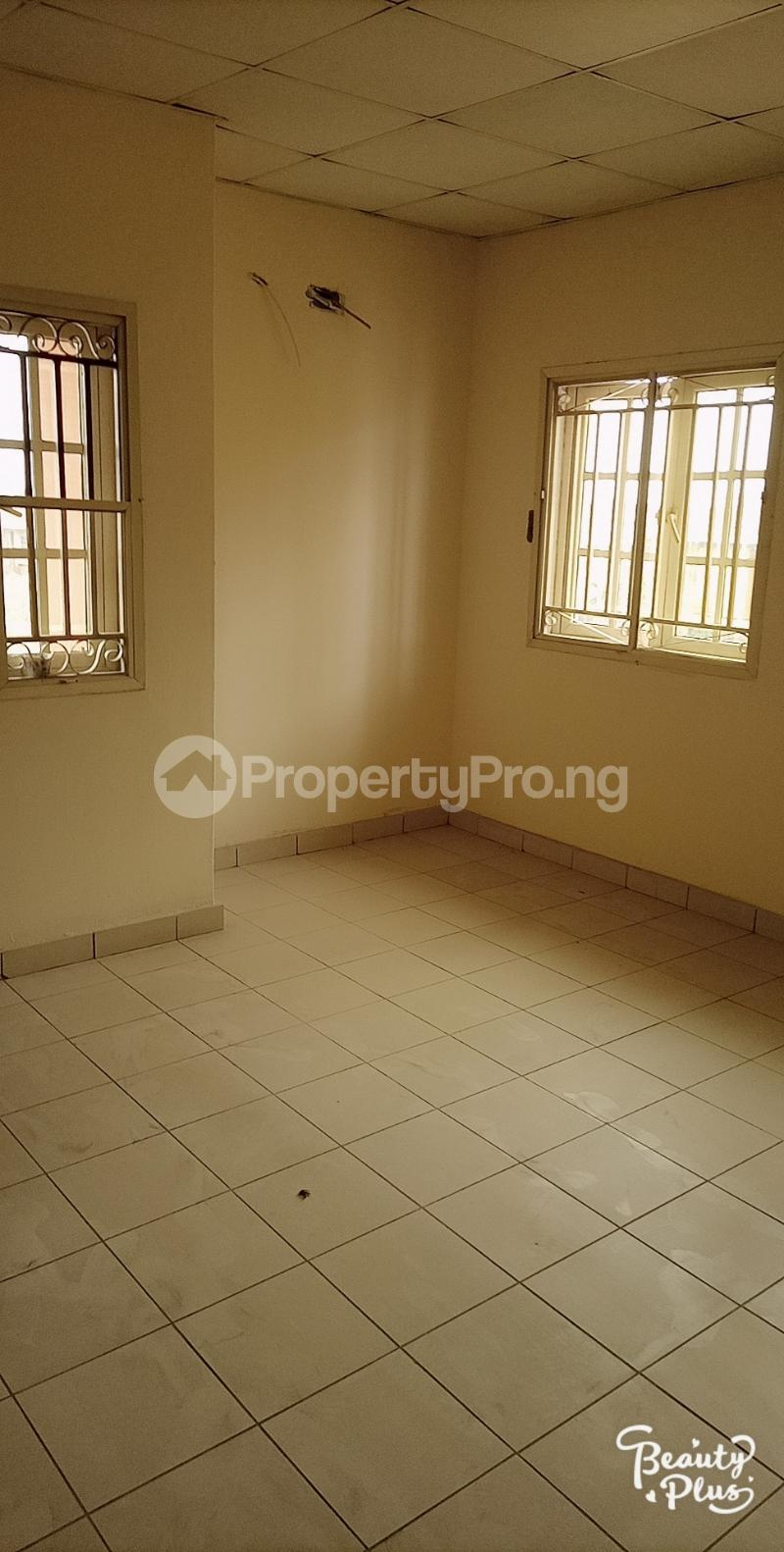 3 bedroom Flat / Apartment for rent Oke Afa isolo. Lagos Mainland Oke-Afa Isolo Lagos - 10