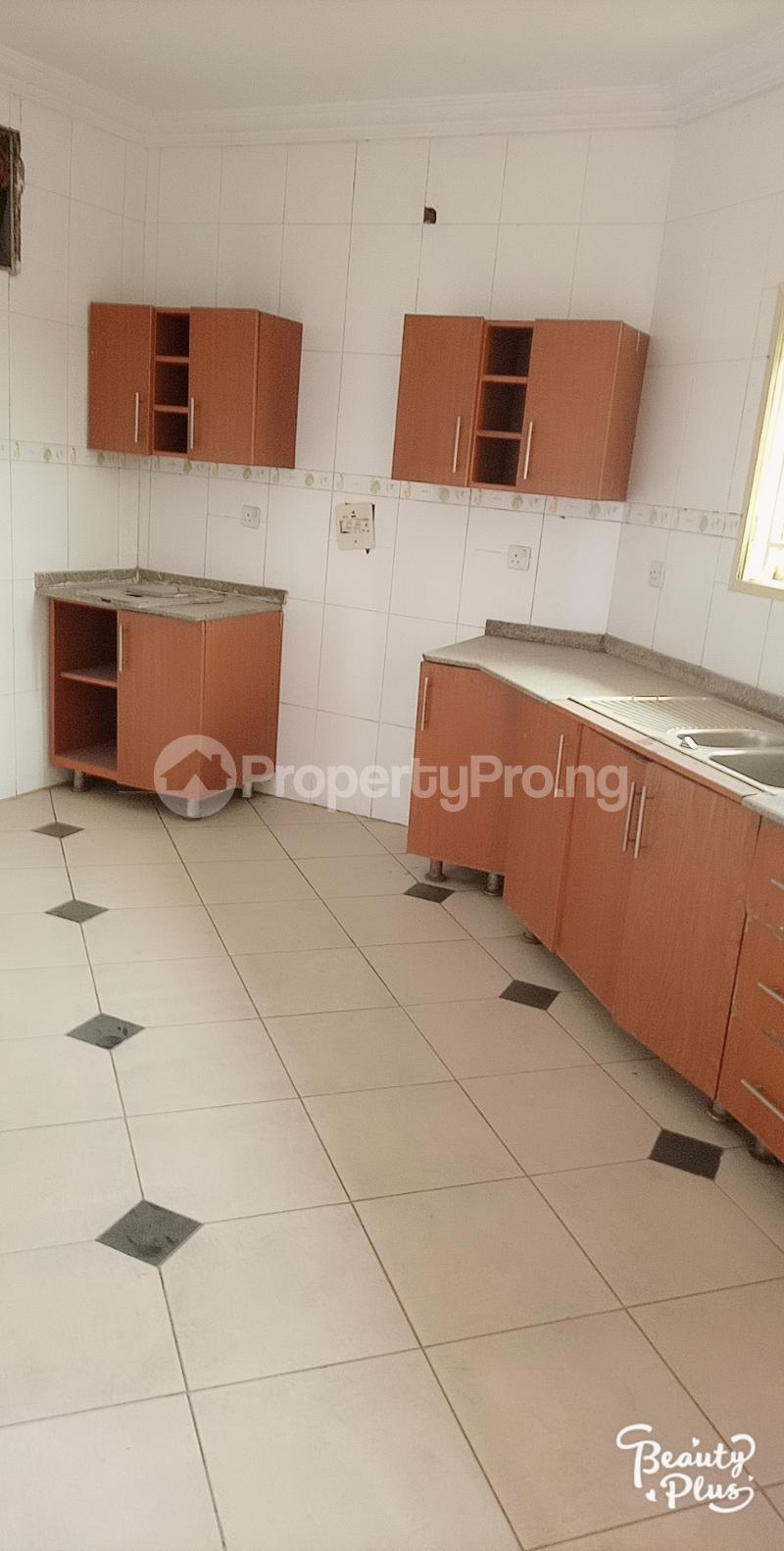 3 bedroom Flat / Apartment for rent Oke Afa isolo. Lagos Mainland Oke-Afa Isolo Lagos - 6