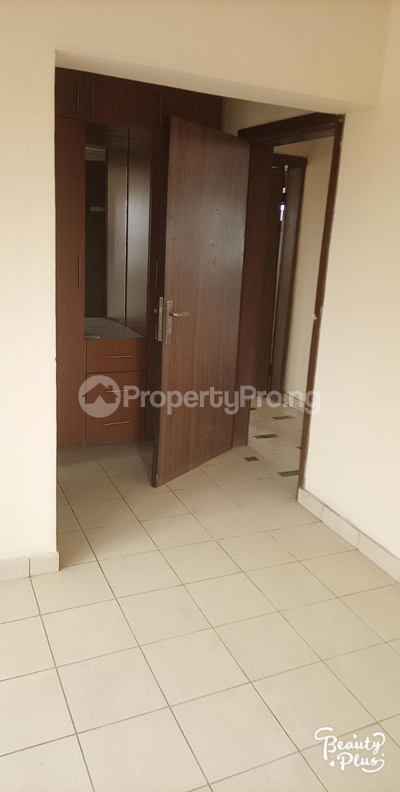 3 bedroom Flat / Apartment for rent Oke Afa isolo. Lagos Mainland Oke-Afa Isolo Lagos - 8