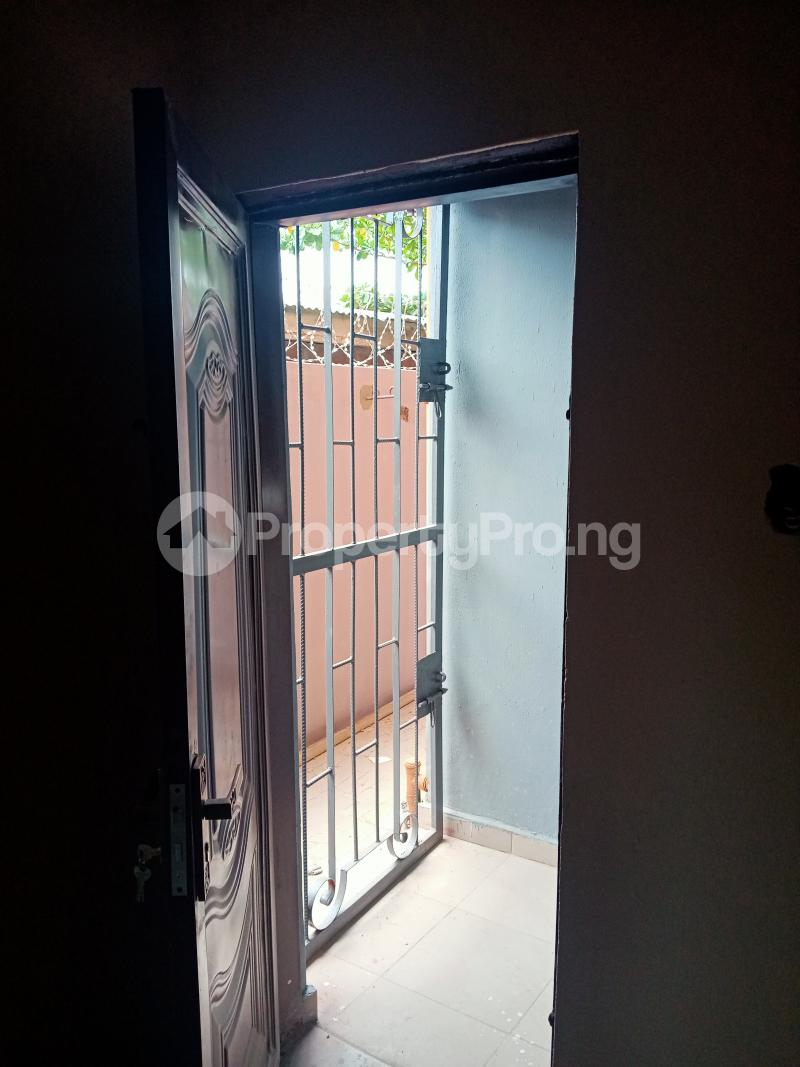Self Contain Flat / Apartment for rent Oremeji street Bariga Shomolu Lagos - 7