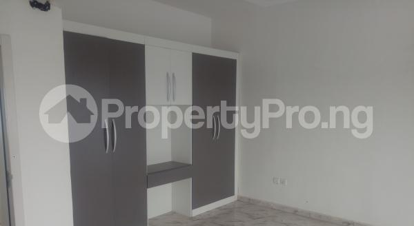 4 bedroom Semi Detached Duplex House for sale White Oak Estate,  Ologolo Lekki Lagos - 12