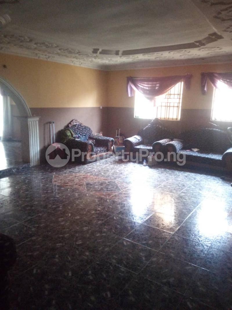 5 bedroom Flat / Apartment for sale para Inu ewe,new airport road alakia Ibadan Egbeda Oyo - 3