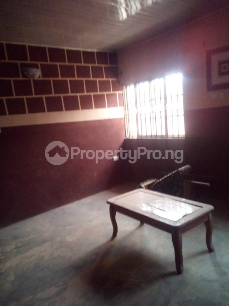 5 bedroom Flat / Apartment for sale para Inu ewe,new airport road alakia Ibadan Egbeda Oyo - 12