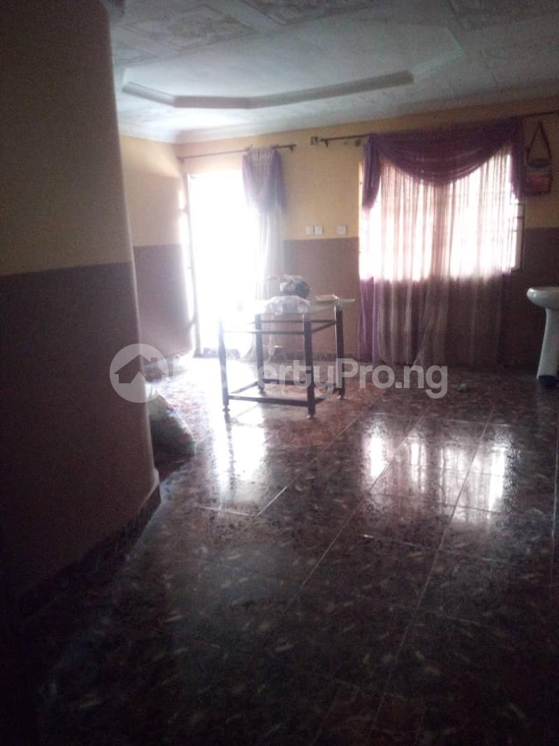 5 bedroom Flat / Apartment for sale para Inu ewe,new airport road alakia Ibadan Egbeda Oyo - 7