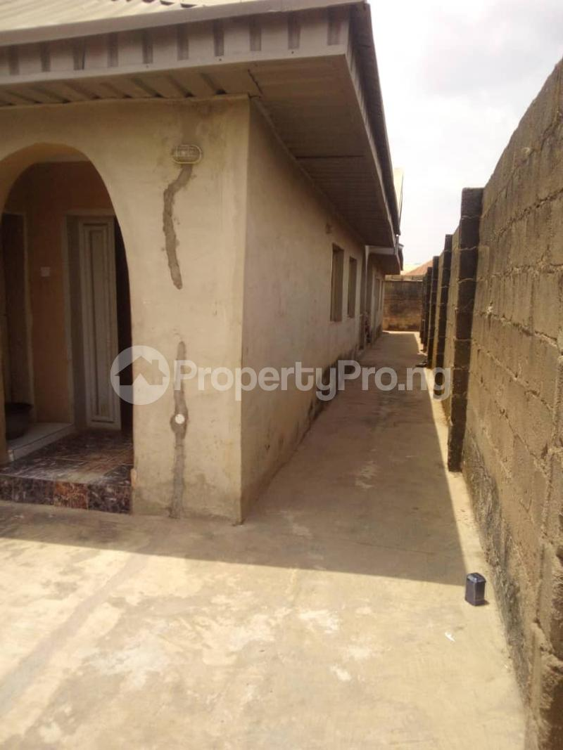 5 bedroom Flat / Apartment for sale para Inu ewe,new airport road alakia Ibadan Egbeda Oyo - 11