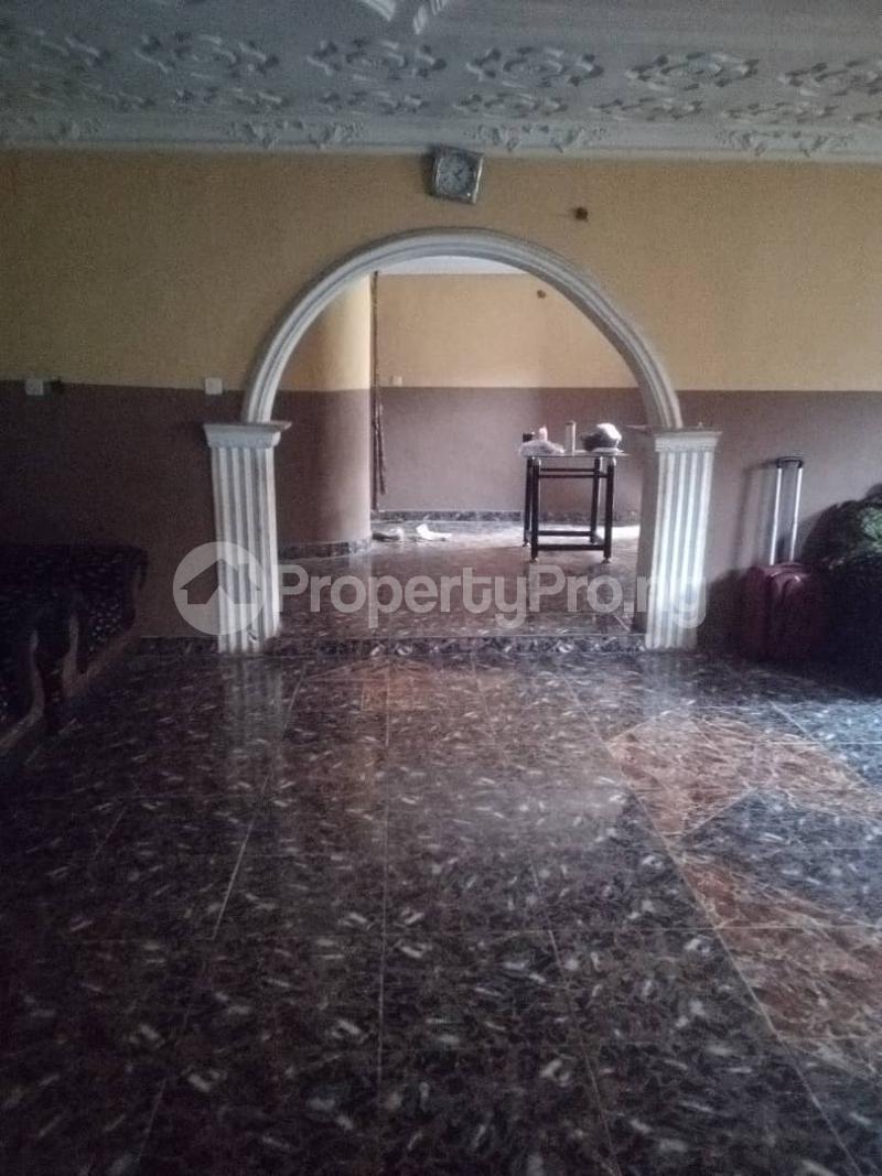 5 bedroom Flat / Apartment for sale para Inu ewe,new airport road alakia Ibadan Egbeda Oyo - 8