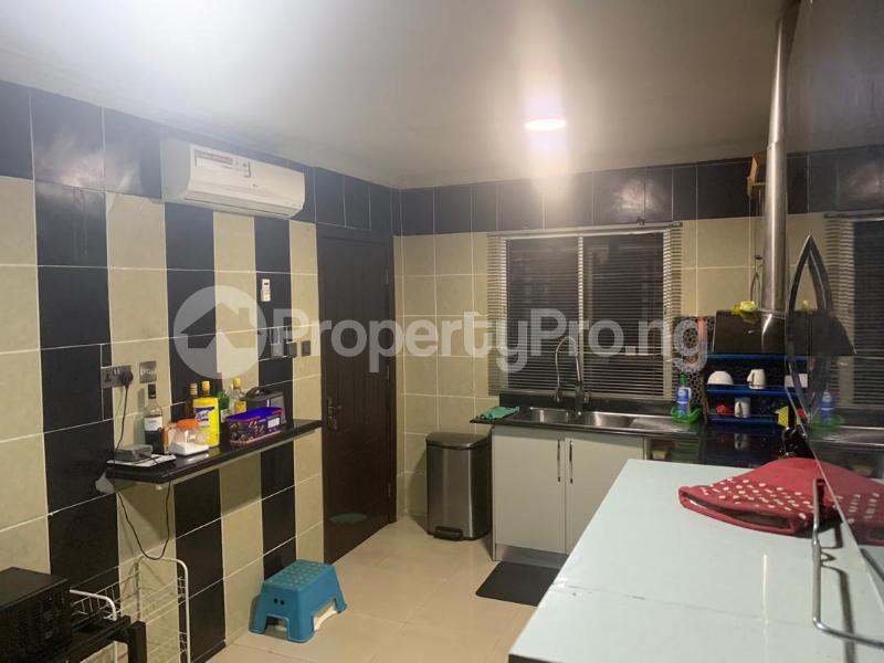 3 bedroom Massionette for sale Jacob Mew Estate Alagomeji Yaba Lagos - 10