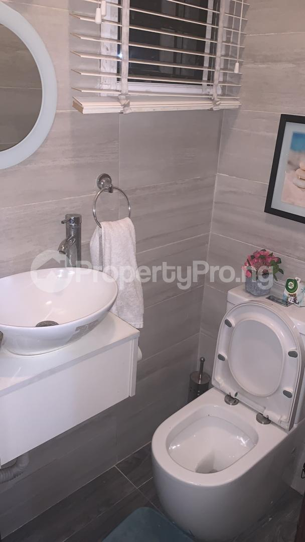 3 bedroom Massionette for sale Jacob Mew Estate Alagomeji Yaba Lagos - 8