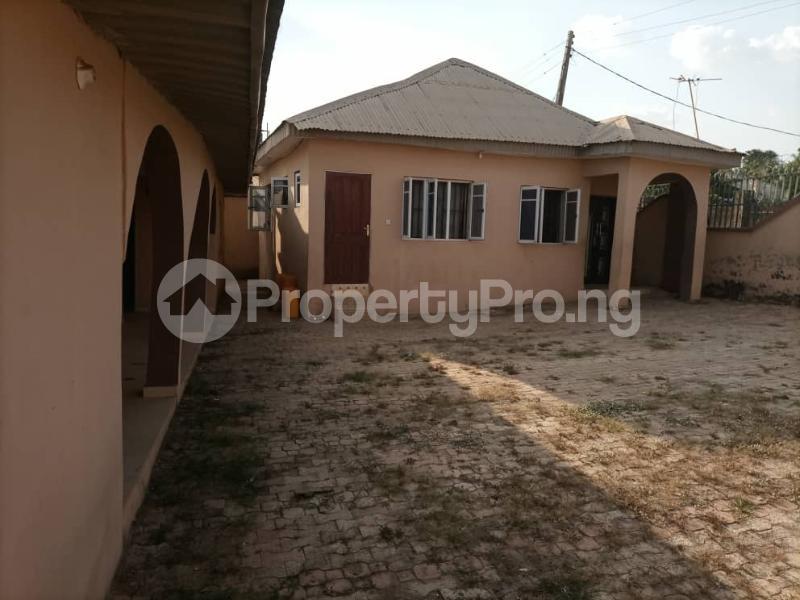 6 bedroom Detached Bungalow House for sale Akatapa Close off unity Estate Ologuneru Ibadan Eleyele Ibadan Oyo - 8
