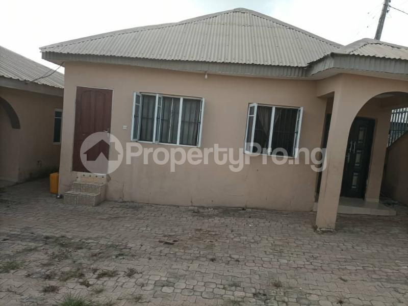 6 bedroom Detached Bungalow House for sale Akatapa Close off unity Estate Ologuneru Ibadan Eleyele Ibadan Oyo - 0
