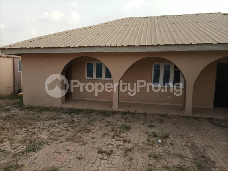 6 bedroom Detached Bungalow House for sale Akatapa Close off unity Estate Ologuneru Ibadan Eleyele Ibadan Oyo - 9