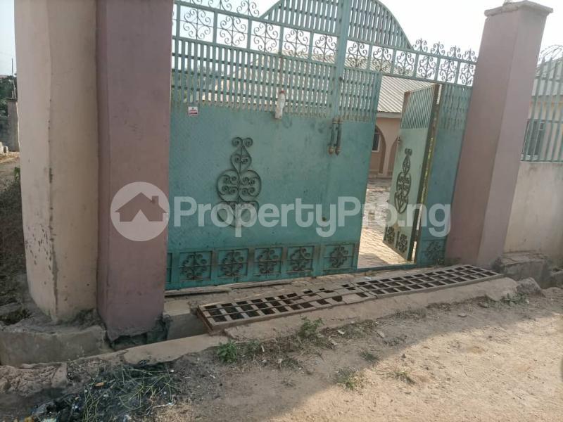 6 bedroom Detached Bungalow House for sale Akatapa Close off unity Estate Ologuneru Ibadan Eleyele Ibadan Oyo - 7