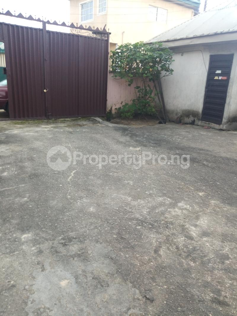 4 bedroom Detached Bungalow House for sale Ada George Magbuoba Port Harcourt Rivers - 17