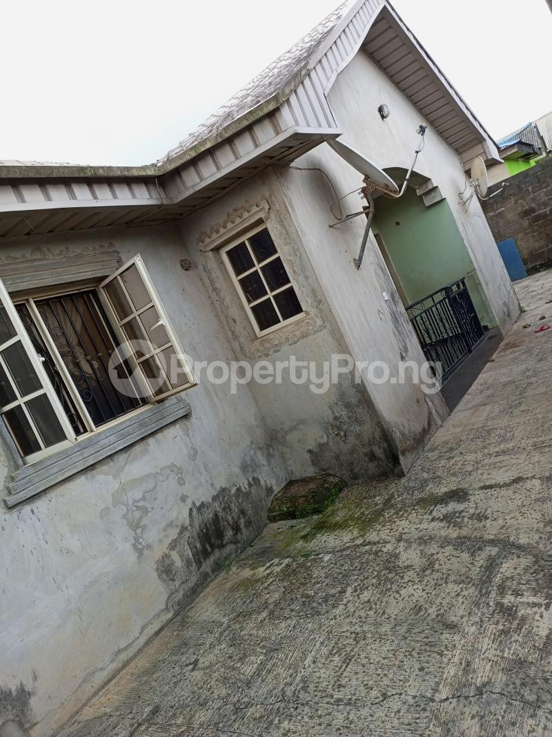 3 bedroom Shared Apartment Flat / Apartment for sale Lafenwa Via Ayobo Lagos State Obasanjo Farm Ado Odo/Ota Ogun - 1
