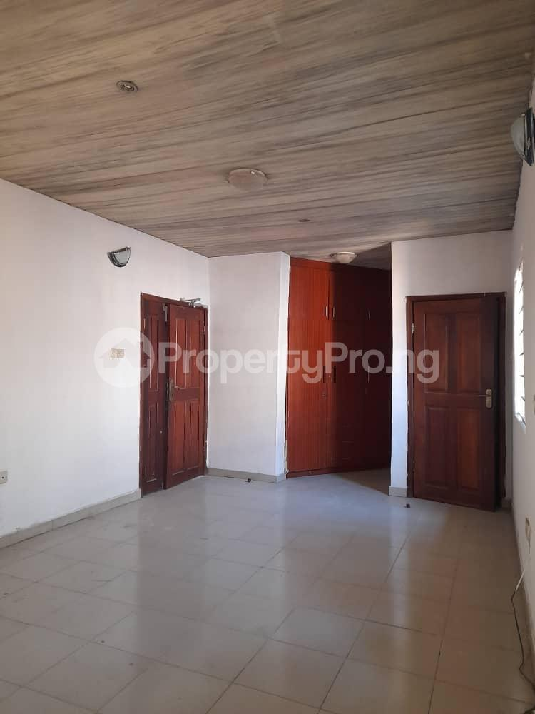 4 bedroom Detached Duplex for sale Phase 2 Gbagada Lagos - 4
