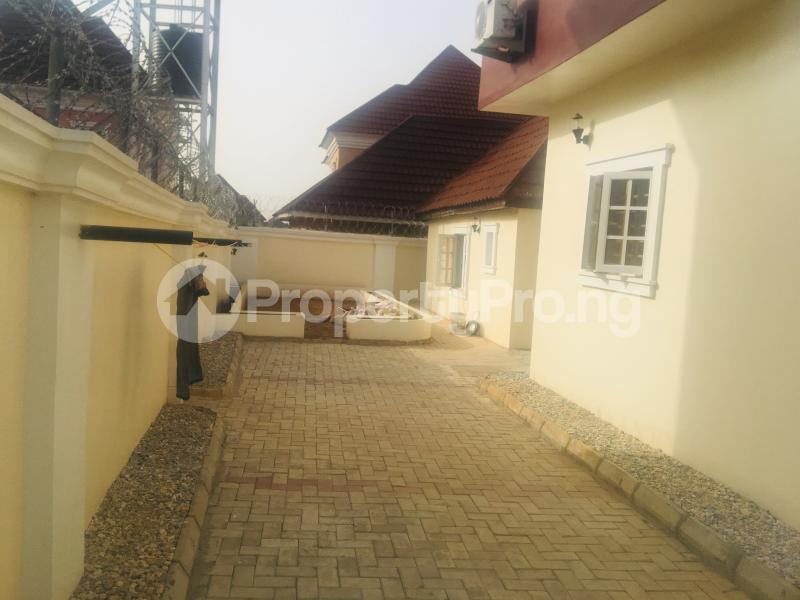 4 bedroom Detached Duplex House for sale Estate off airport road,  Lugbe Abuja - 1