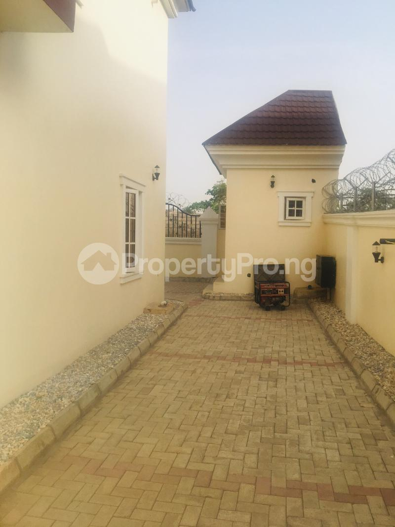4 bedroom Detached Duplex House for sale Estate off airport road,  Lugbe Abuja - 5