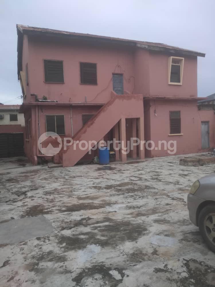 3 bedroom Blocks of Flats House for sale Off LUTH, mushin Mushin Mushin Lagos - 5