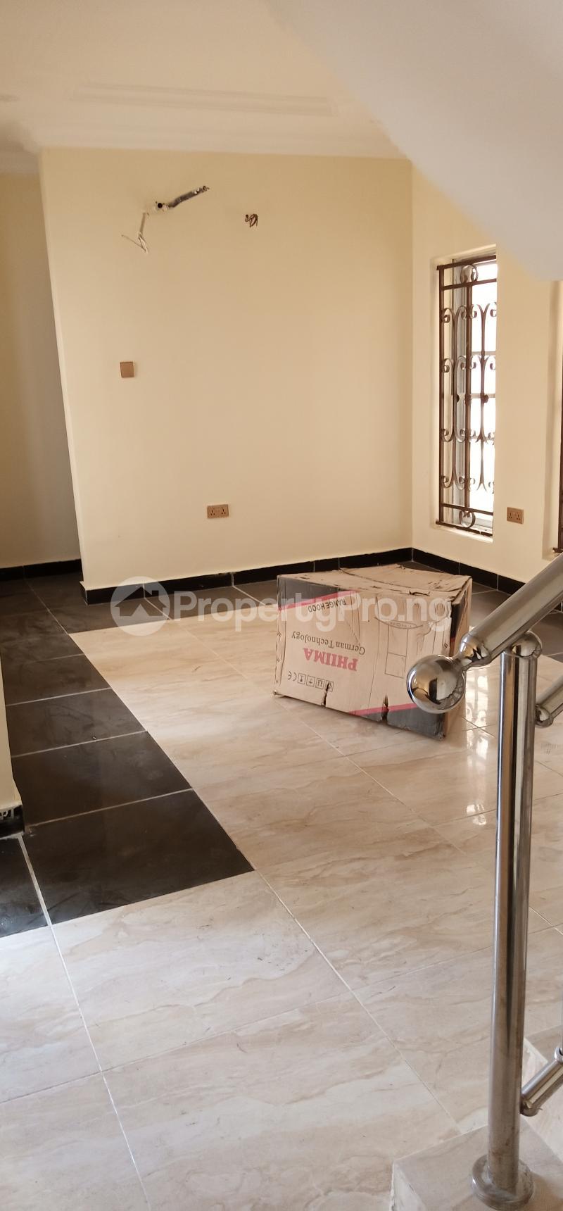 4 bedroom Semi Detached Duplex House for sale ... Jakande Lekki Lagos - 3