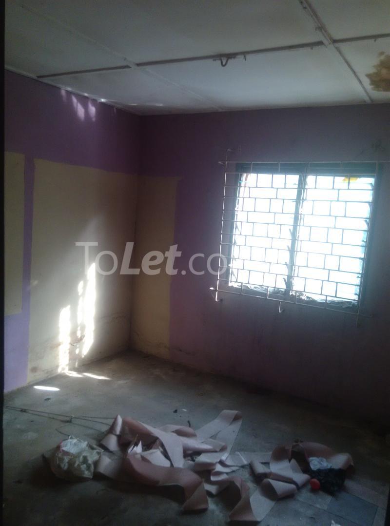 House for sale off bode thomas Bode Thomas Surulere Lagos - 17