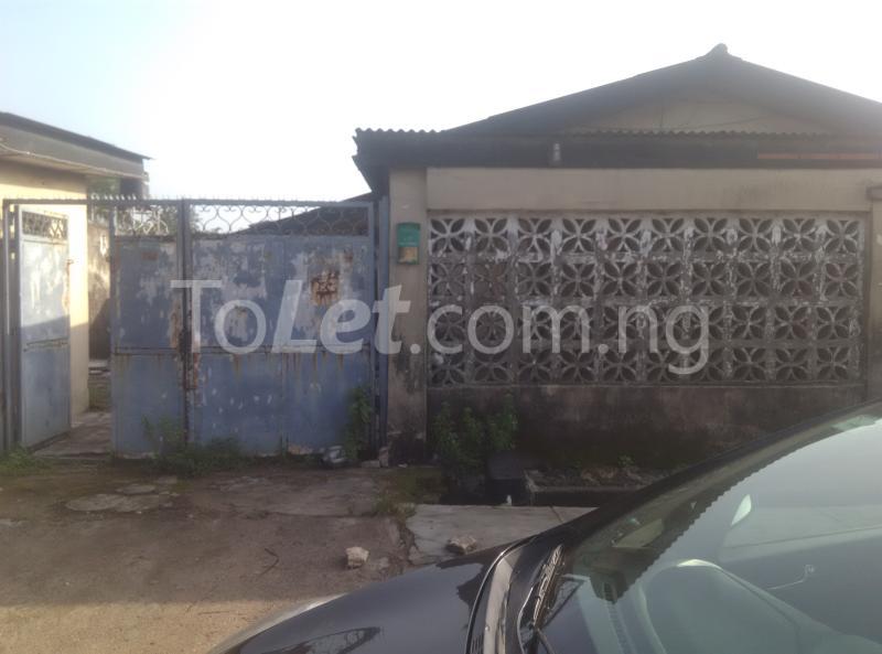 House for sale off bode thomas Bode Thomas Surulere Lagos - 0
