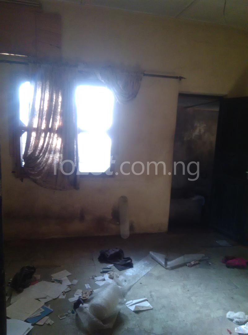 House for sale off bode thomas Bode Thomas Surulere Lagos - 4