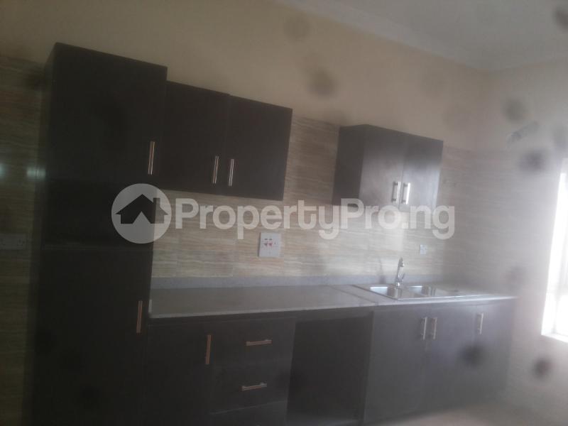 4 bedroom Massionette for sale Jacob Mews Estate Adekunle Yaba Lagos - 2